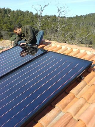 Installation solaire photovolta que pompes chaleur for Installation chauffe eau solaire piscine